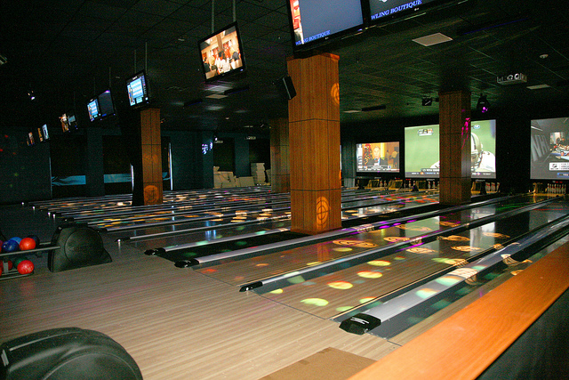 King's makes bowling in Boston a blast