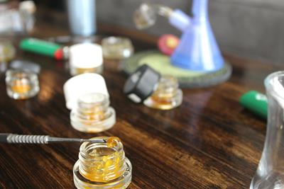 Solventless vs. Solvent-Based Cannabis Concentrates